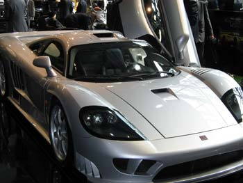 "1 vieta. ""Saleen S7 Twin Turbo"" (JAV)."