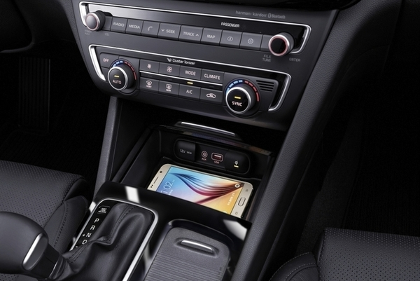 New_Kia_Optima_-_interior__3