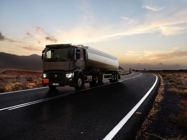 renault_trucks_t_tanker_1_-_Copy