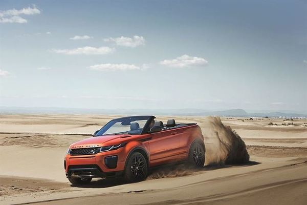 RR_EVQ_Convertible_Driving_Sand_091115_10_LowRes
